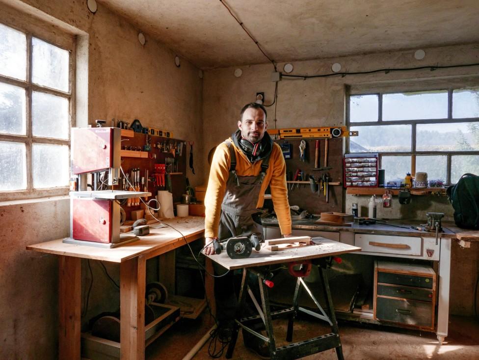 En småföretagare som är hantverkare alternativt hipster.